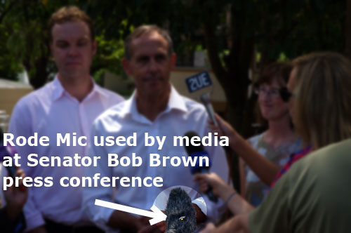 rode mic used by media at press conference