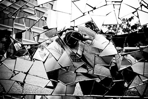 http://www.bhatt.id.au/blogimg/shattered-glass.jpg