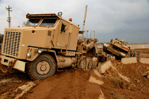 us army heavy transport vehicle