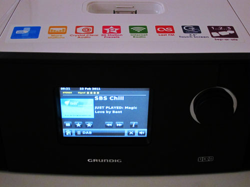 grundig trio digital radio with slideshow